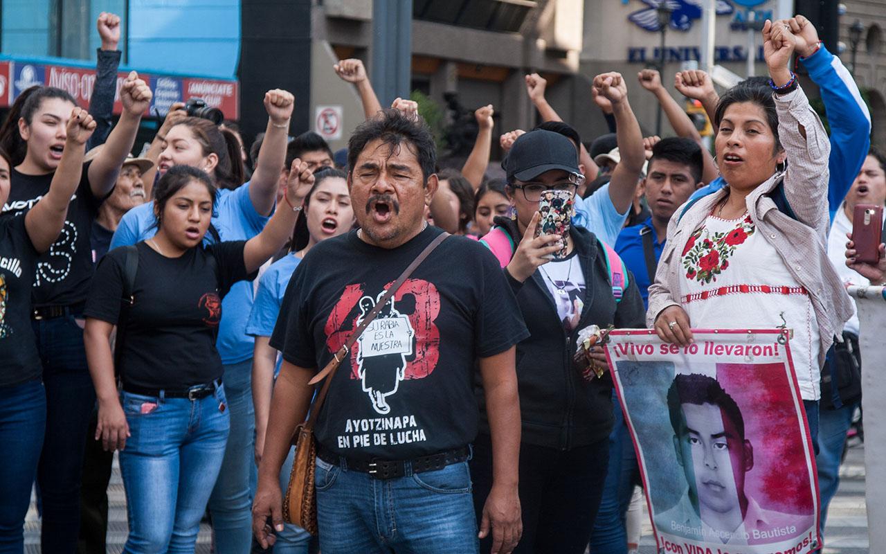 Ayotzinapa, padres, Iguala, Guerrero, AMLO, Fiscalía General de la República,