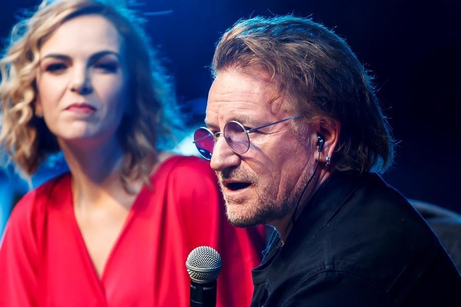 Bono fue el invitado sorpresa