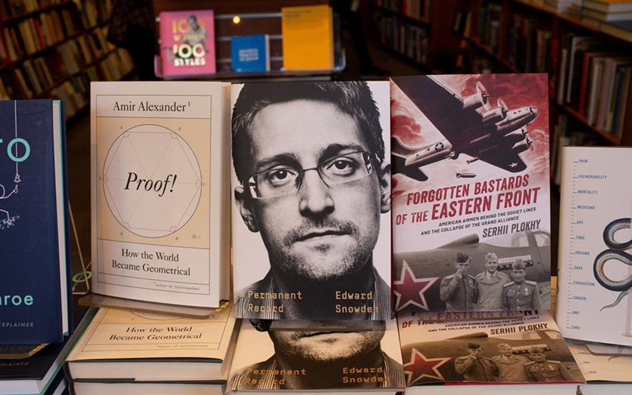 Edward Snowden, Estados Unidos, CIA, NSA, Libro, Vigilancia Permanente,