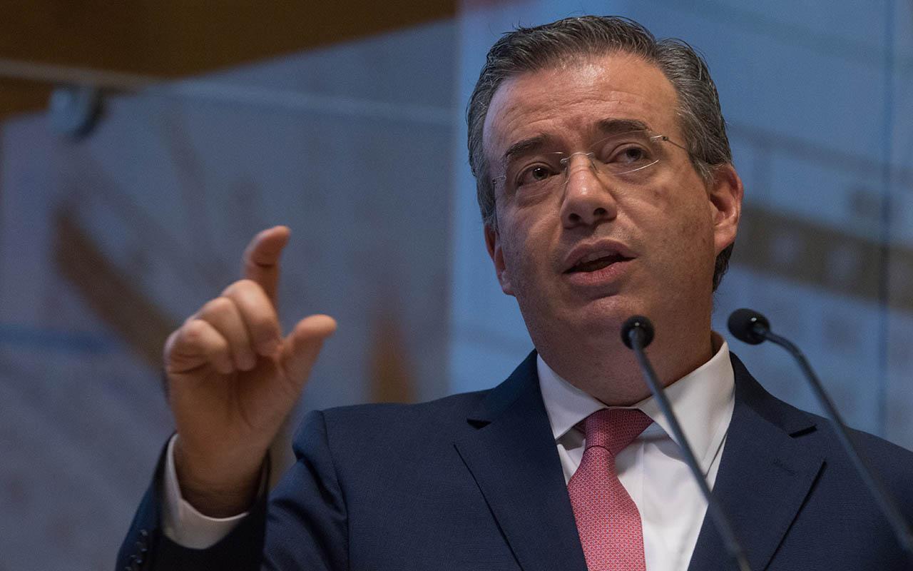 Alejandro Díaz de León, Gobernador del Banxico, Producto Interno Bruto, PIB,