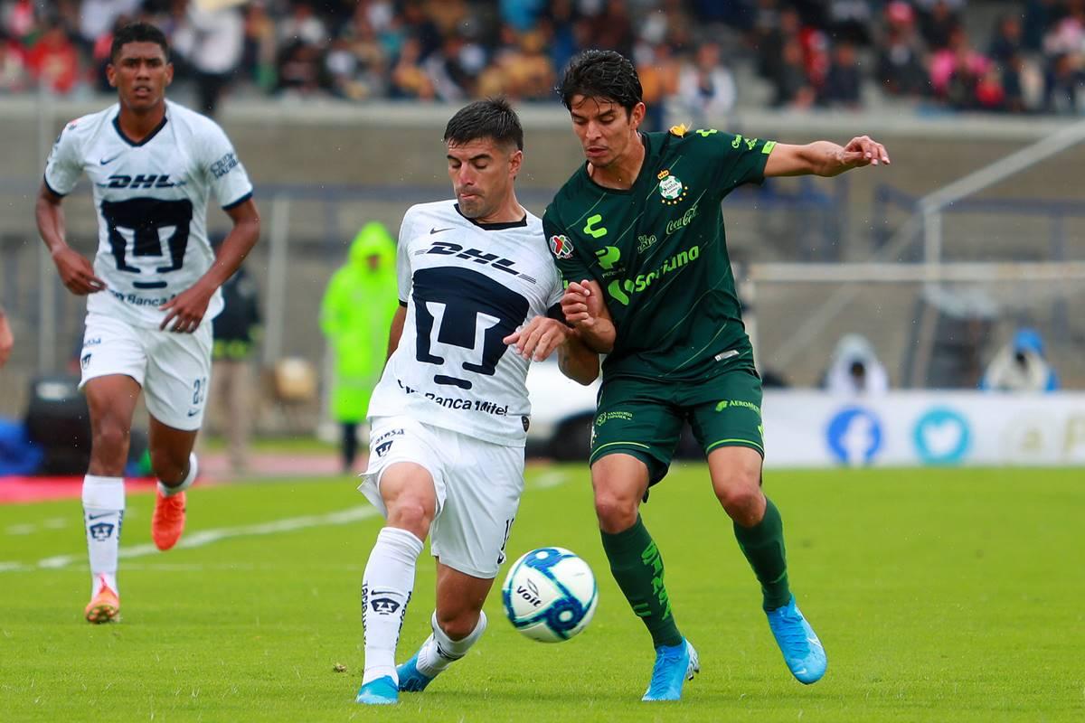 Pumas dio cuenta de Santos. Foto: Notimex