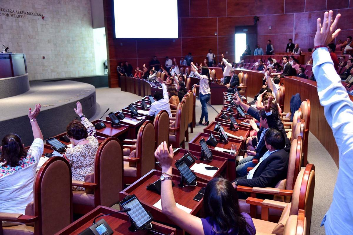 Congreso Oaxaca, Frente Nacional por la Familia, aborto, Diputadas Morena, Laura Estrada, Hilda Pérez, Rocío Machuca, Eduardo Verástegui, Arzobispo de Antequera Pedro Vázquez Villalobos,