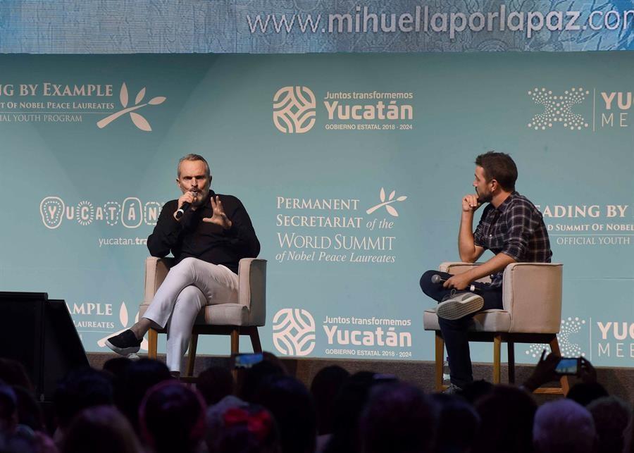 Diego Luna y Miguel Bosé/Foto: EFE