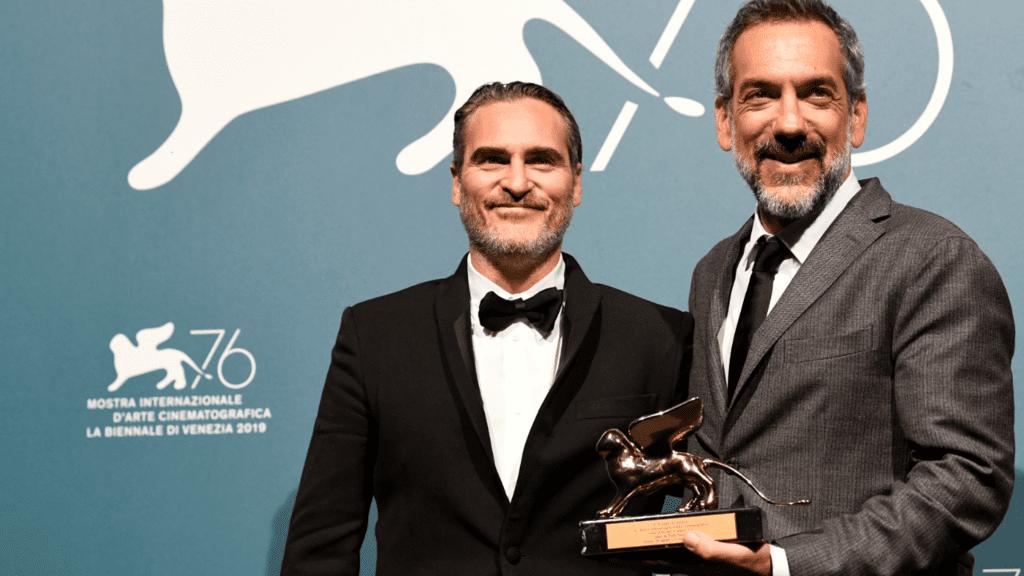 Todd Phillips y Joaquin Phoenix reciben el León de Oro de Venecia/Foto: EFE
