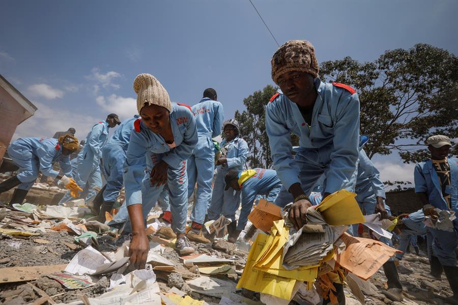 Kenia, derrumbe, escuela,