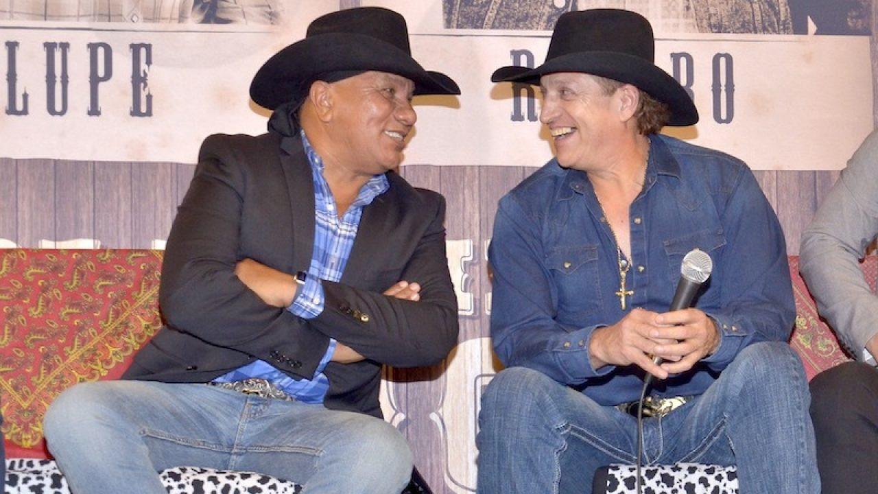 Lupe Esparza y Ramiro Delgado
