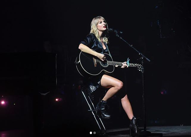 Taylor Swift parís