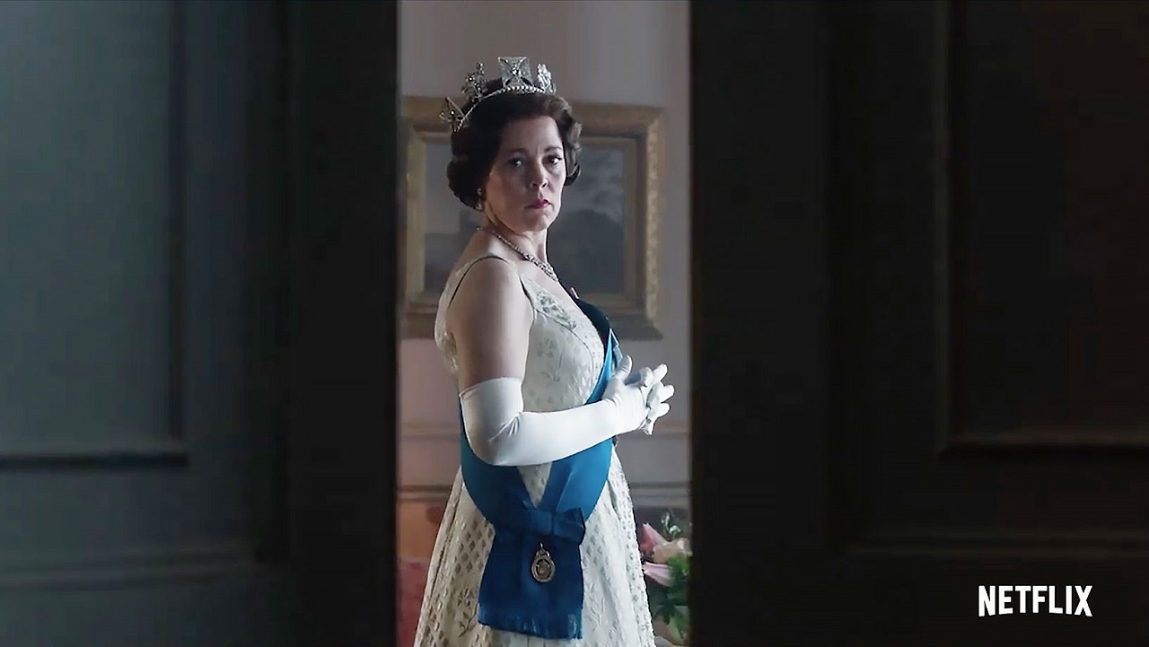 the crown Olivia Colman es la reina Isabel