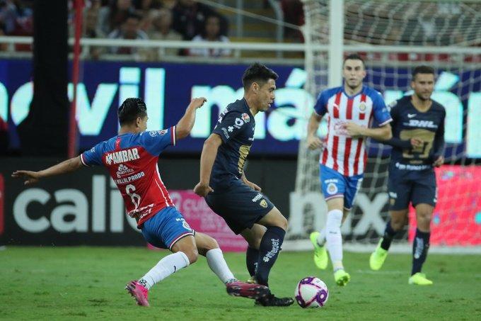 Pumas le arrebató el triunfo a Chivas. Foto: Twitter
