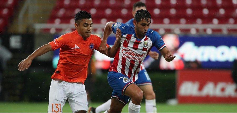 Roban a jugadores de Chivas Foto: Twitter