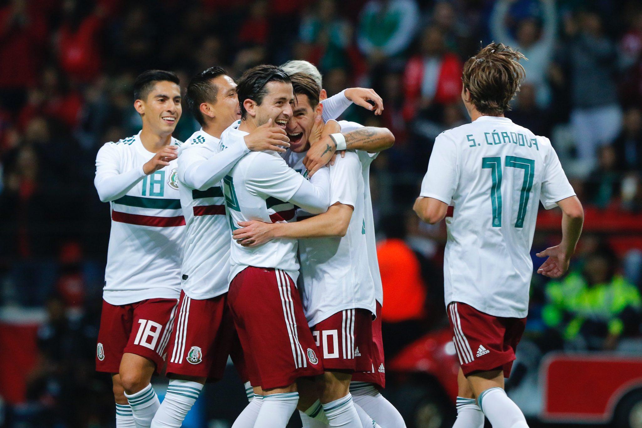 México le pegó a Trinidad y Tobago. Foto: Twitter