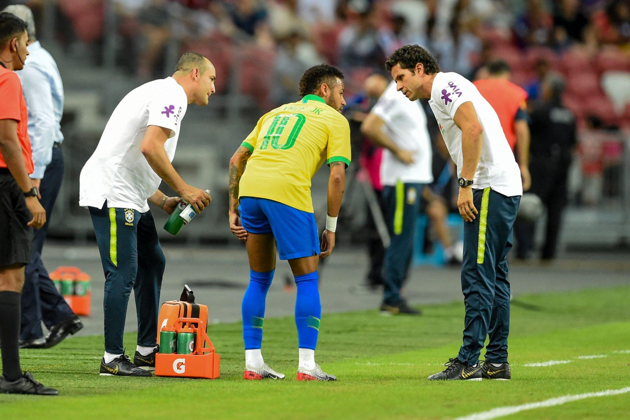 Neymar salió lesionado. foto: Twitter