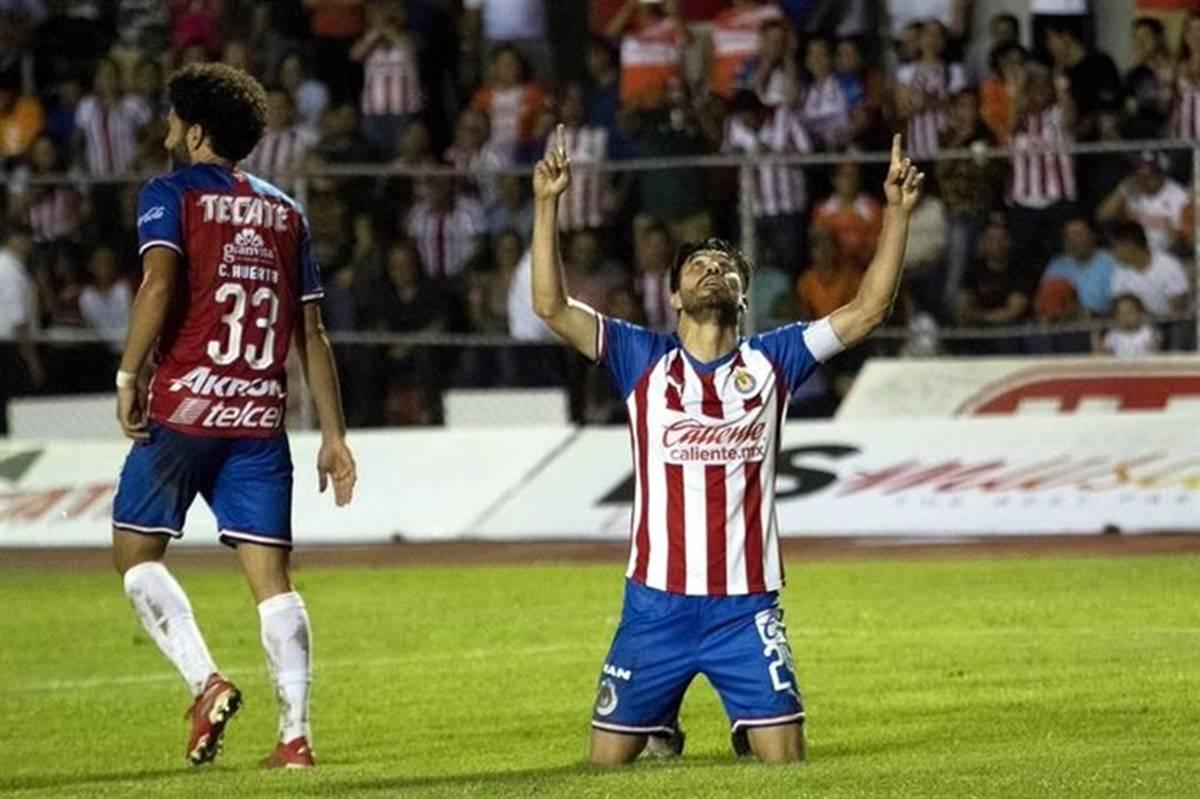 Oribe anota y ganan Chivas. Foto: Twitter