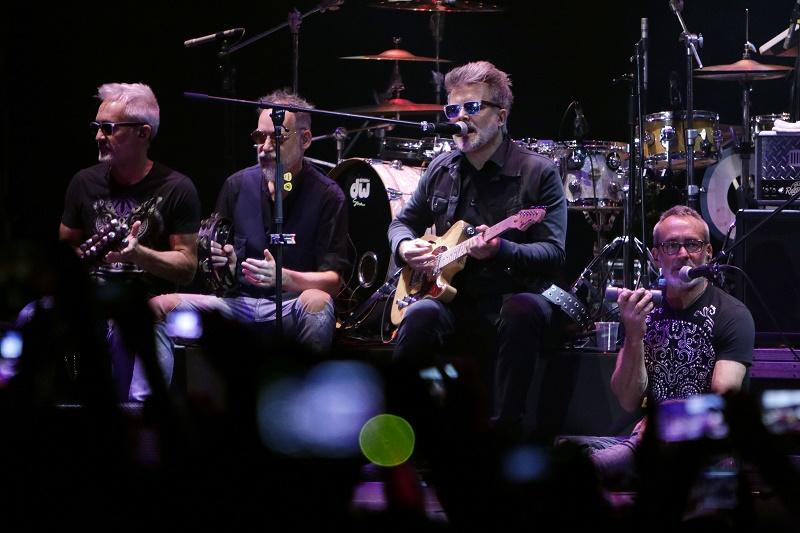 GUANAJUATO, Gto. 10 octubre, 2019 – La reconocida banda argentina Los Pericos, se presentó en el segundo día de actividades del 47 Festival Internacional Cervantino, en la Alhóndiga de Granaditas de la ciudad de Guanajuato. (Foto: Francisco Morales/DAMMPHOTO)