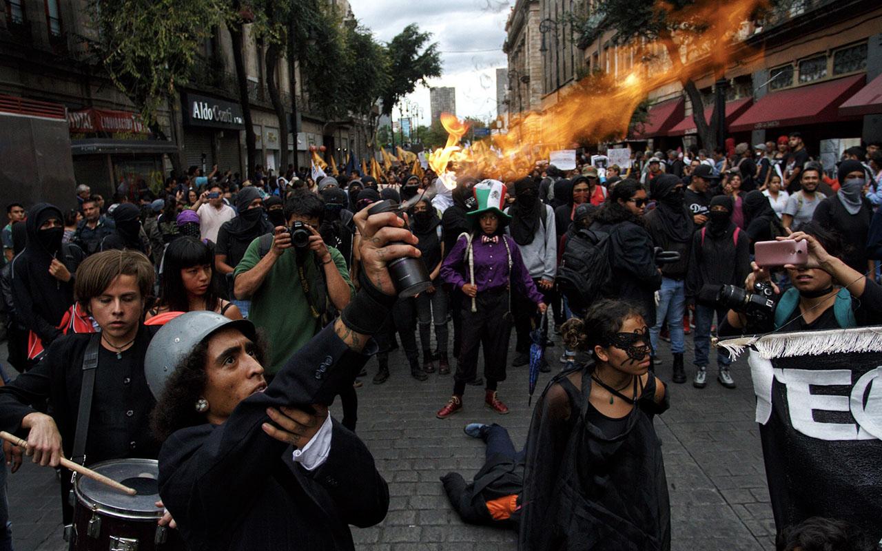 Marcha, 02 octubre, 1968, anarquistas, vándalos,
