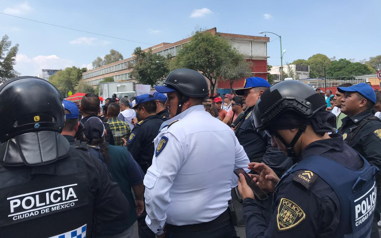 comerciantes ambulantes, policías federales, San Cosme, CDMX, enfrentamiento,