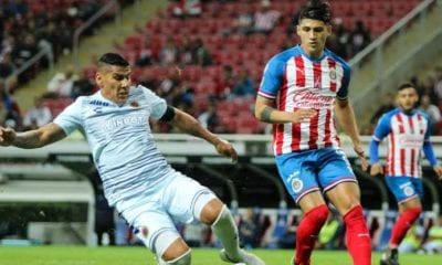 Alan Pulido podría salir de Chivas. Foto: Twitter Alan Pulido