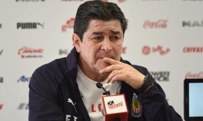 Chivas podría quedarse con Luis Fernando Tena. Foto: Twitter