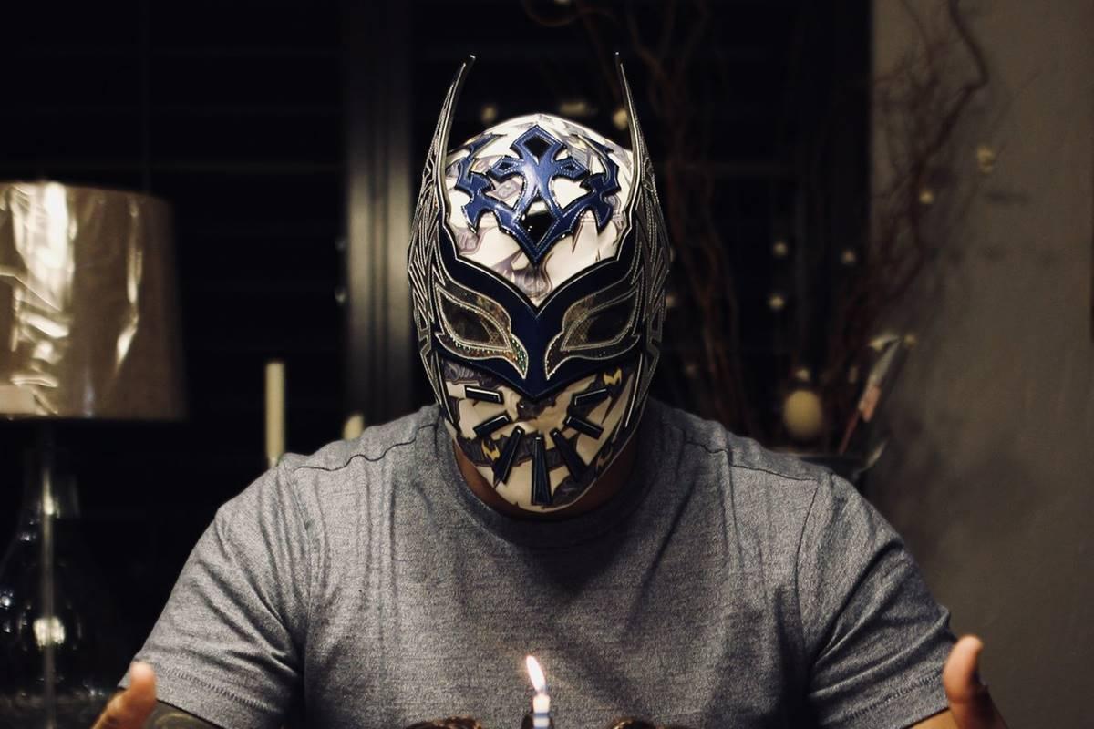 Sin cara queda fuera de la WWE. Foto: Twitter