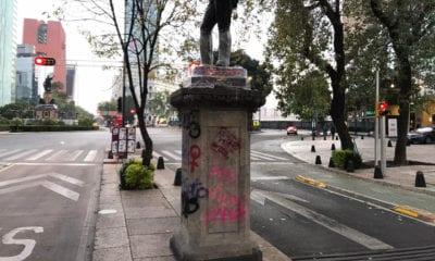 Violencia de feministas provocan pérdidas de 10 mil pesos a vendedor