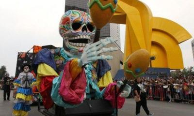 Mega Desfile, Día de Muertos, CDMX, Lluvia, Catrinas, Calaveras, Alebrijes,