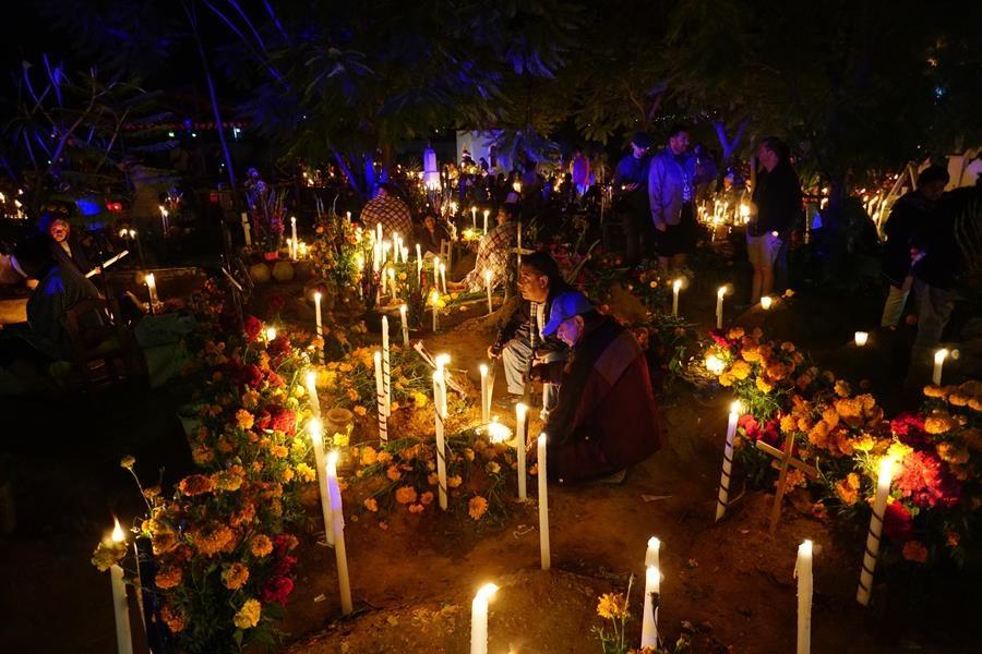 Celebración del Día de Muertos en Atzompa/Foto: EFE