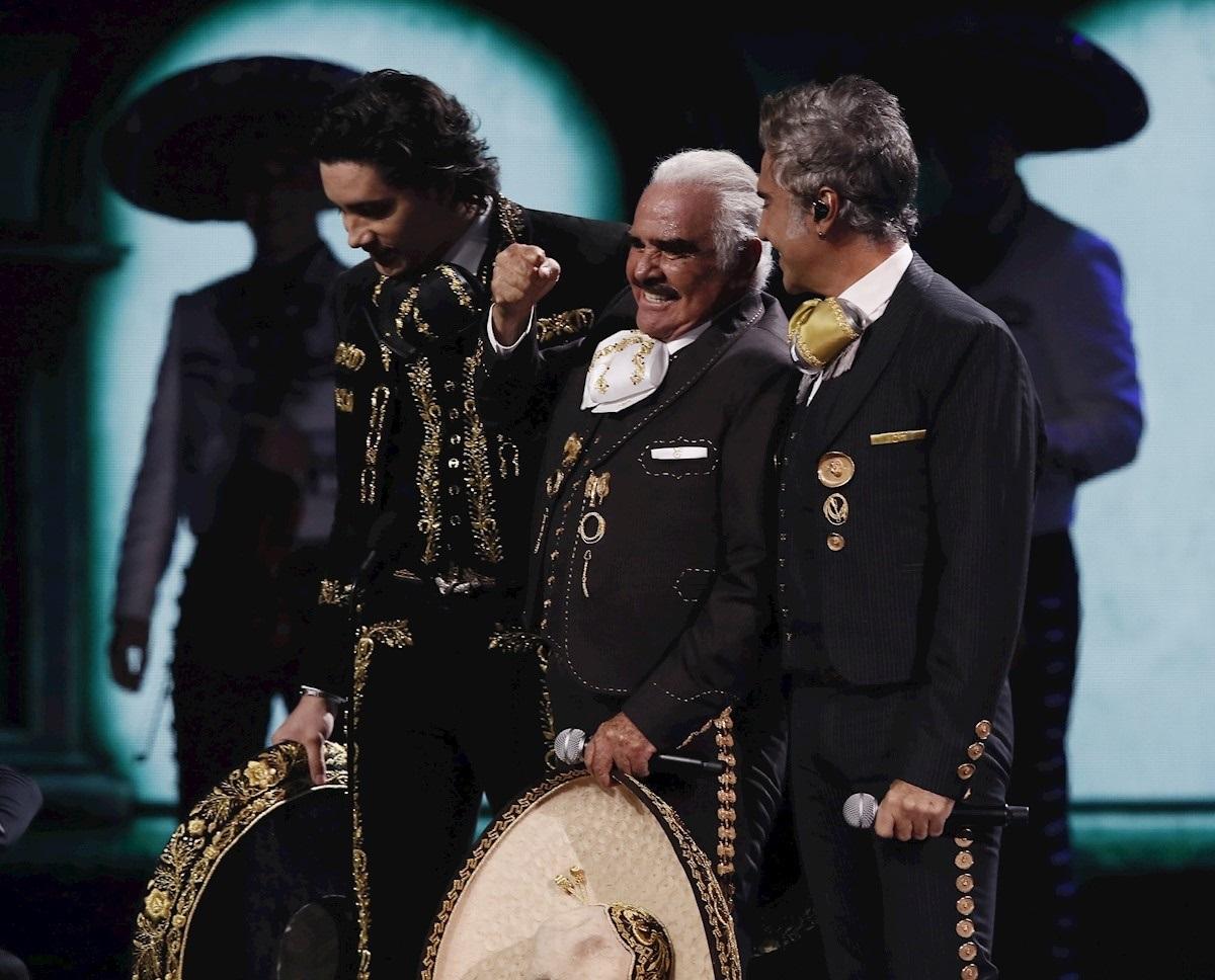 Vicente, Alejandro y Alex Fernández/Foto: EFE