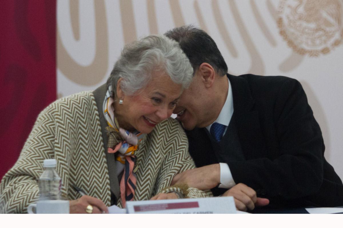 López Obrador encarga el país a Sánchez Cordero
