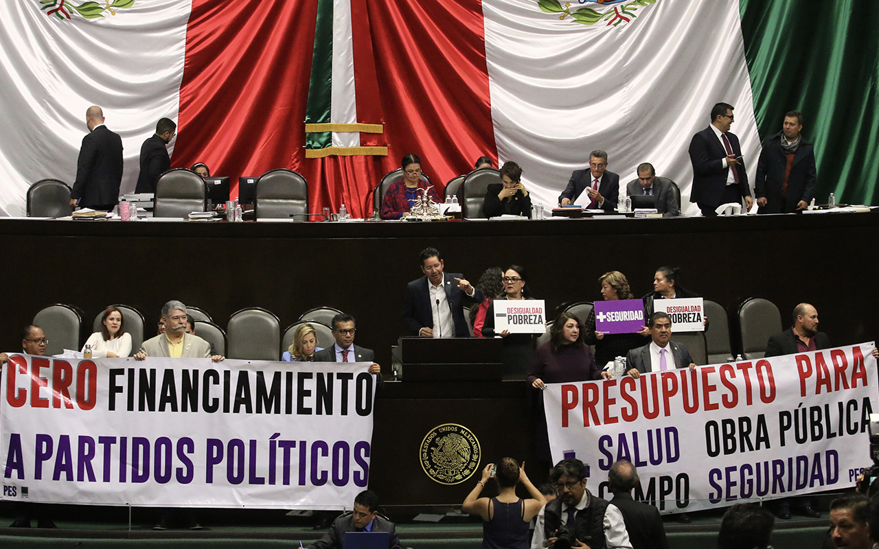 Frenan diputados reducir recursos a partidos políticos