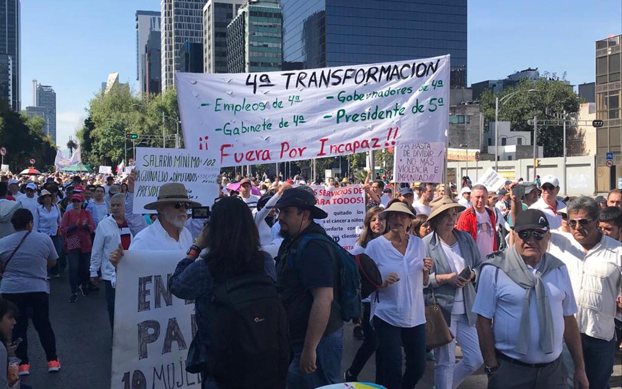 """""""Ni chairos, ni fifís, todos somos un país"""", grita la sociedad civil"""