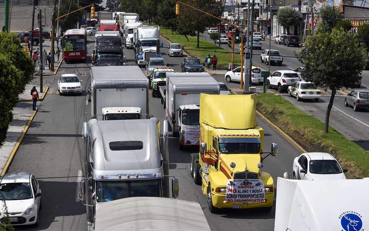 Repuntan asaltos a transportistas en México