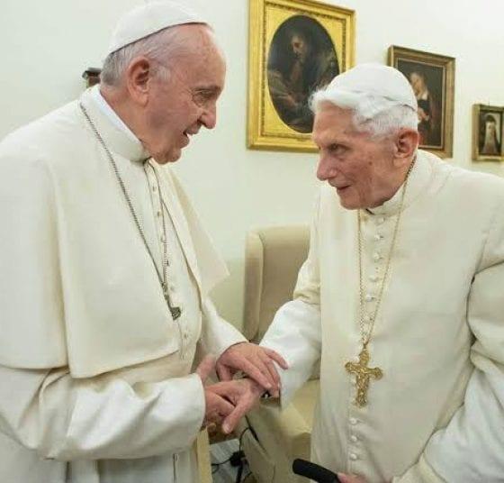 Affaire Editorial, Crisis Política Y Guerras Pontificias