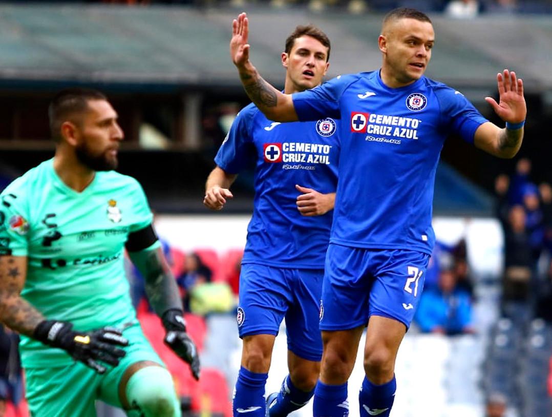 Cruz Azul le pegó a Santos. Foto: Liga MX