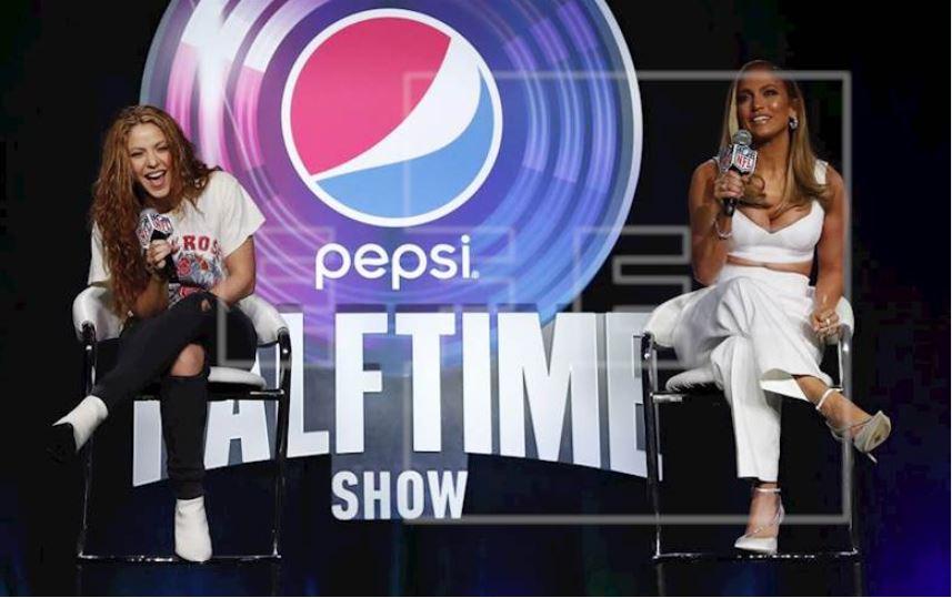 JLo y Shakira dan conferencia de prensa sobre el espectáculos del medio tiempo del Super Bowl