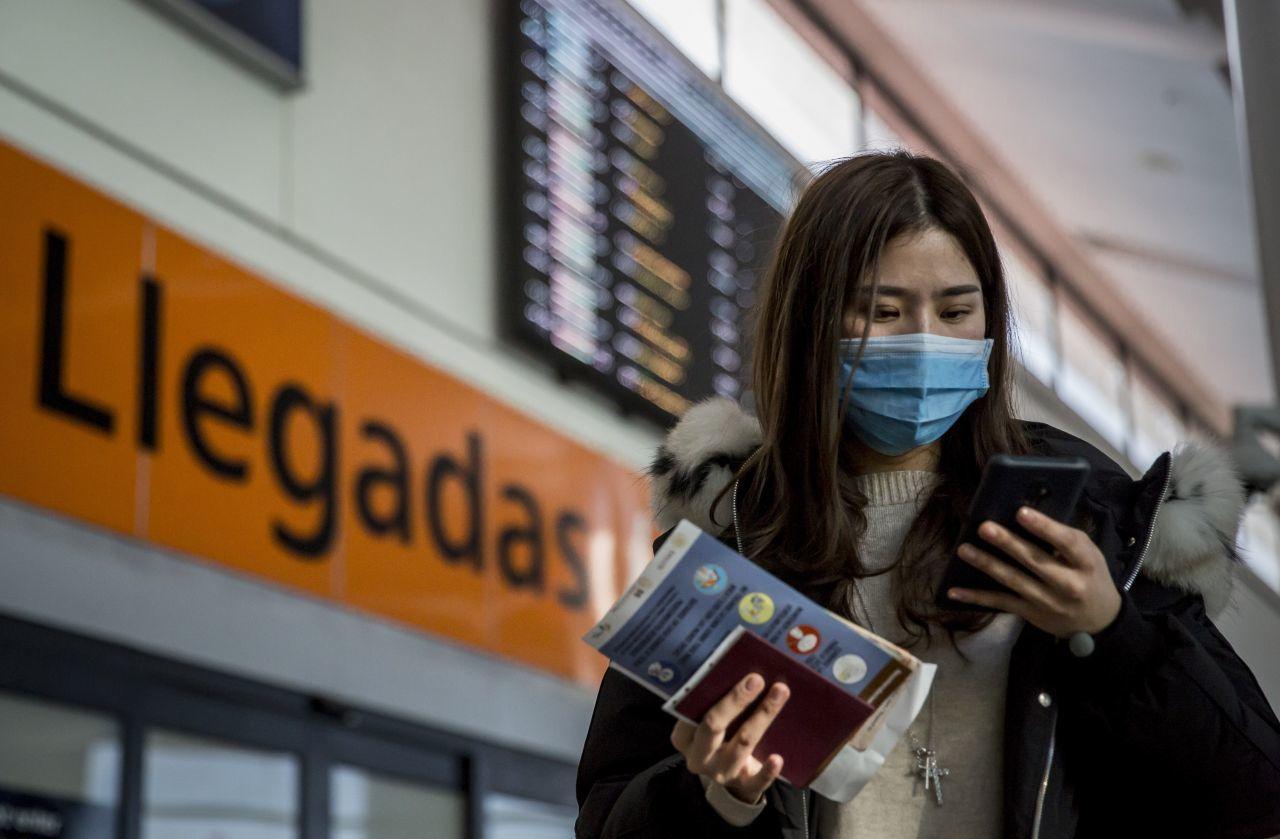 Mexicanos en China regresan a México por temor al coronavirus