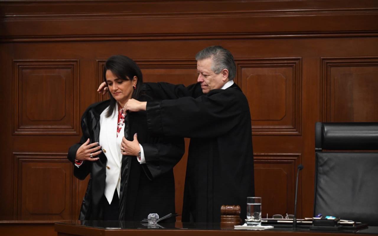 """Con tres ministras, """"día histórico"""" para la SCJN"""
