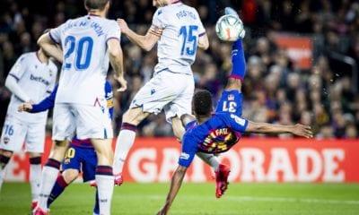Barcelona se mantiene en pie de lucha
