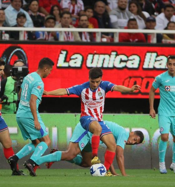 Cruz Azul asesta golpe a Chivas. Foto: Chivas