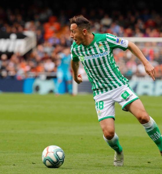Con Andrés Guardado Betis sucumbe con el Valencia