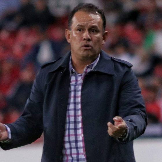 Abren investigación en contra del técnico de Puebla