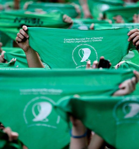 """Descubren """"mafia del aborto"""" que engaña a mujeres en España"""