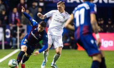 Sufre Real Madrid duro revés y pierde la punta