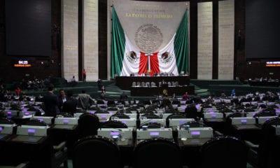 Diputados van contra sueldos altos en el INE