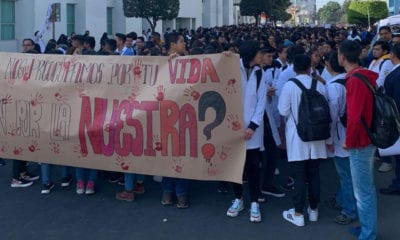 Exigen justicia por estudiantes en Puebla