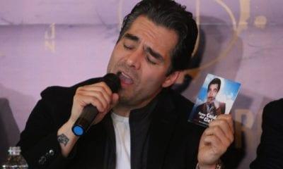 """CIUDAD DE MÉXICO, 03FEBRERO2020.- Omar Chaparro, actor mexicano y Nestor Estevez, representante de JN Music Grup, durante la presentación de su producción discográfica """"Como Caído del Cielo"""", homenaje a Pedro Infante la cuál es presentada poco después de el lanzamiento de la película del mismo nombre bajo la producción de Netflix, esto en el restaurante Santino. FOTO: ROGELIO MORALES /CUARTOSCURO.COM"""
