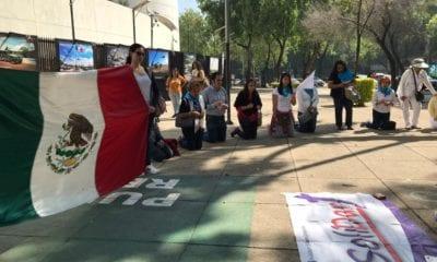 Familias piden a legisladores se comprometan con iniciativas en favor de la vida