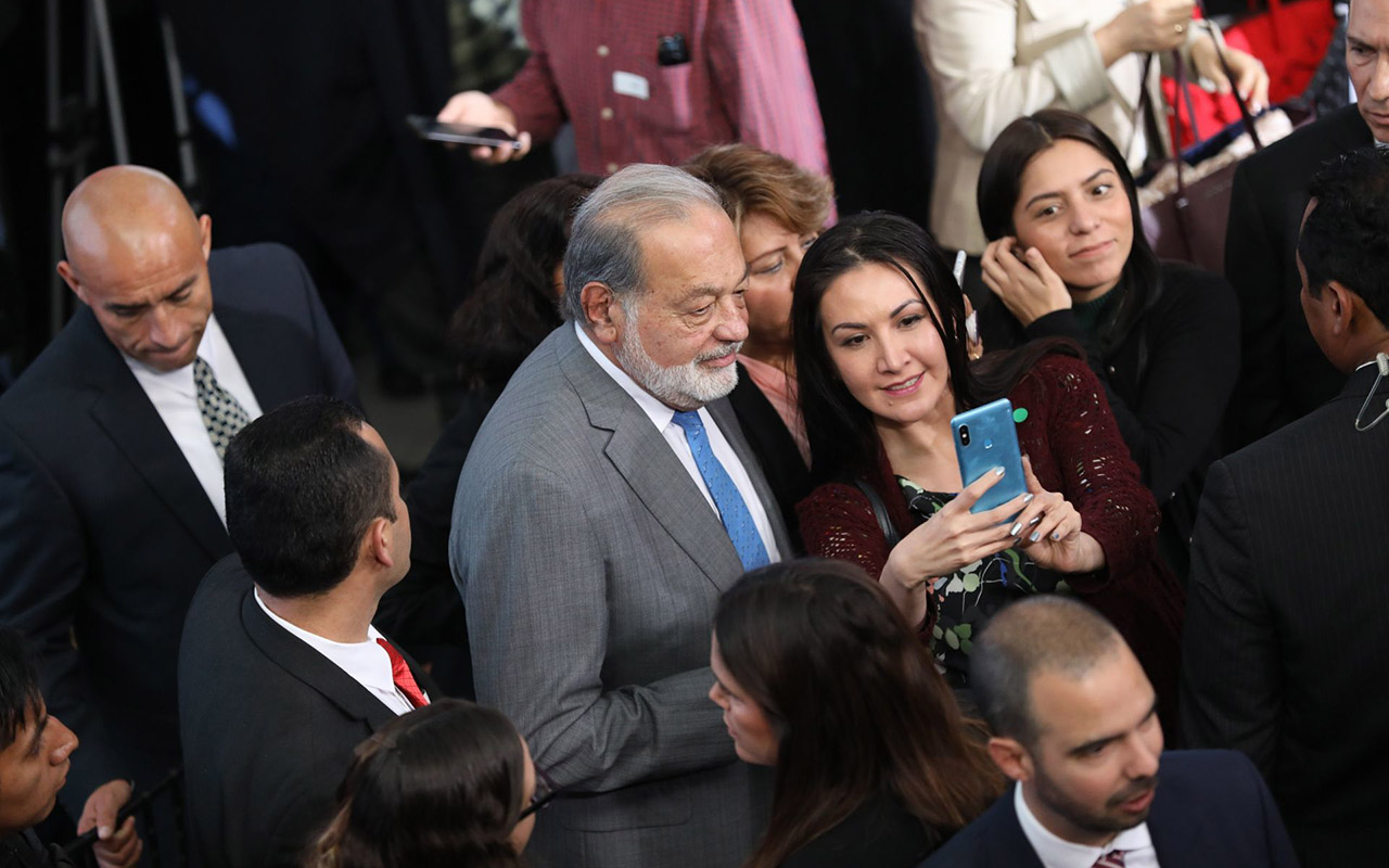 Carlos Slim pide al gobierno reducir la burocracia