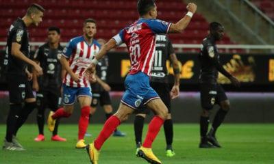 Chivas alcanza a arañar empate ante Monterrey