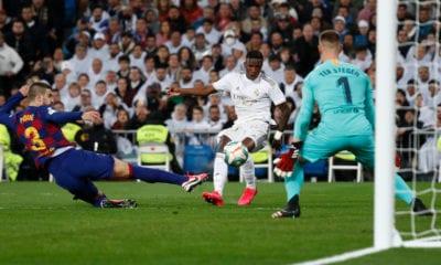 Golpe del Real Madrid al Barcelona y le arrebata el liderato