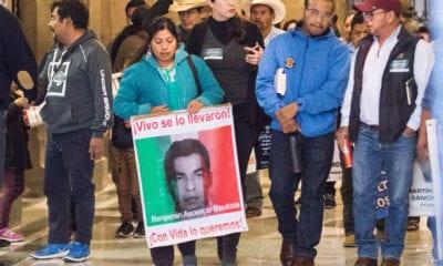 Padres de Ayotzinapa piden que UIF investigue caso Iguala
